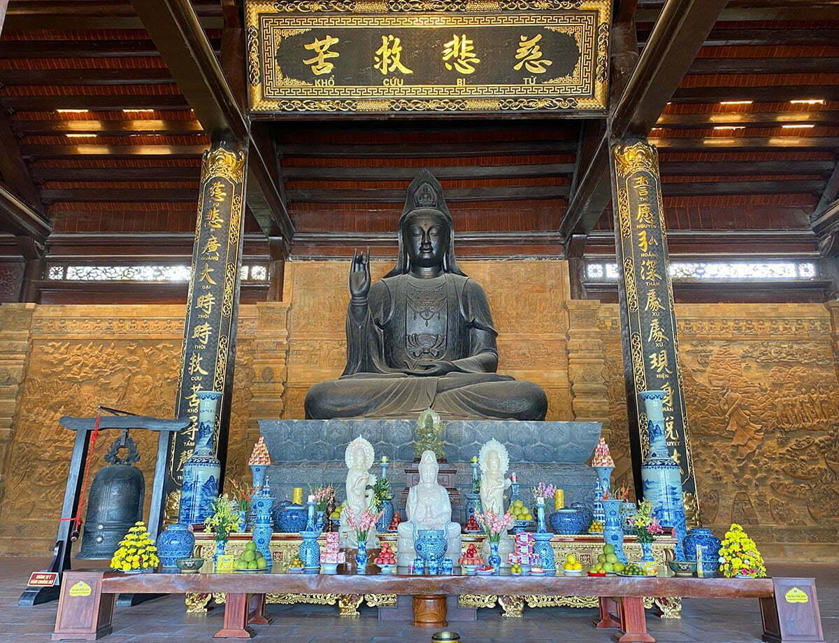 Điện Quán Âm chùa Tam Chúc